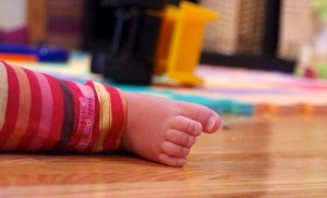 toddlers-foot-sasha