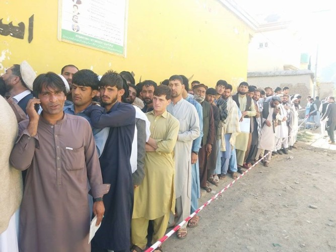 men voting in afghanistan